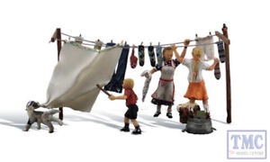 A1936 Woodland Scenics Painted Figures HO Wash Day Getaway Washing Line