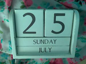 Lovely Cream Wooden Calendar Block - Lovely Condition Shabby Chic Decorative