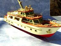 "Vintage 12""L  Waco battery operated transistor radio model boat, cruiser Yacht."