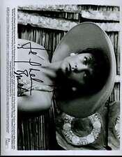 JACQUELINE BISSET JSA SIGNED 8X10 PHOTO AUTHENTICATED AUTOGRAPH