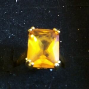 18 k yellow Gold filled emerald Cut 14ct Citrine Ring size O