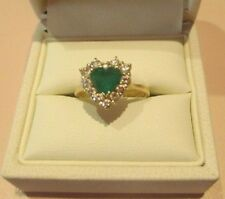 18CT YELLOW GOLD RING SET WITH 1 HEART SHAPED NATURAL EMERALD