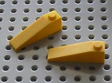 2 x LEGO Yellow Slope Brick ref 60477 / Set 70814 6753 5886 8265 10666 31023 ...