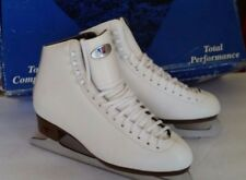 Riedell 121 Figure Skate White Sapphire Blade Size 9 1/2 Wide Brand new with Box