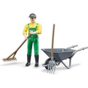 BRUDER 62610 Figurenset Landwirt mit Zubehör Spielfigur Schubkarre Gabel Rechen