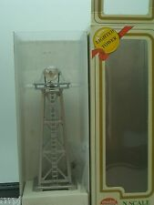 N SCALE US ARMY LIGHTED SEARCHLIGHT TOWER  N SCALE IN SILVER  US ARMY #2631