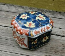 VINTAGE TAKAHASHI JAPAN PORCELAIN TRINKET PILL RING BOX FITTED LID HAND PAINTED