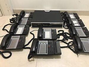 Mitel 3300 CX Controller Plus 12X Mitel Telephones