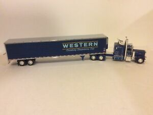 DCP 1/64 Western Peterbilt With Refer.