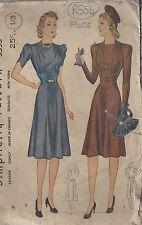 "1940s Vintage Sewing Pattern DRESS B32"" (R554)"