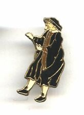 pin / badge THEATRE IL DOTTORE DE LA COMMEDIA DELL´ARTE signed  BUITONI