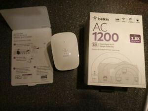 Belkin AC 1200 Dual-Band Wi-Fi Range Extender - VGC