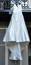 Casablanca Bridal Gown Wedding Dress Ivory 6 or 8 with Train Womens
