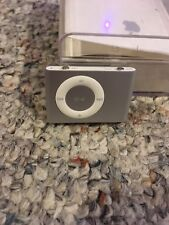 Apple iPod Shuffle 2nd Generation Silver 1GB With Charging Dock