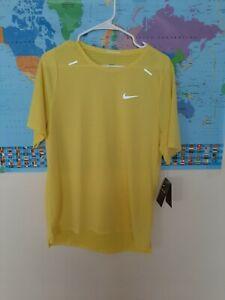 Nike Breathe Mens Short Sleeve Running Shirt Yellow Top Size medium  M