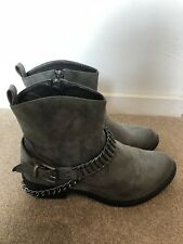 Womens Grey Ankle Boots Size 6 Wide Fit. Zip Up. New Look