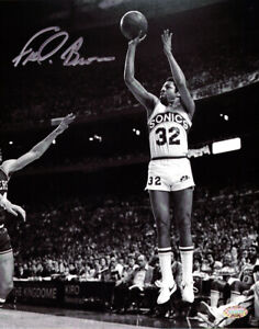 """""""DOWNTOWN"""" FRED BROWN AUTOGRAPHED SIGNED 8X10 PHOTO SONICS MCS HOLO 106817"""