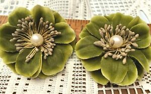 """New Millinery Flower 3"""" Pearl Stamens 2pcs Yellow Moss Clip/Pin"""