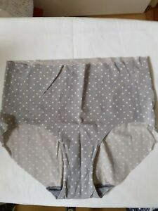 Ladies Womens Grey/Polka Dot No Visible Lines Briefs/Knickers - Size 16 - Hanes