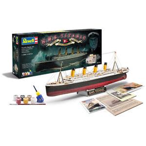 "Revell 05715 Kit Geschenkset "" 100 Jahre Titanic "" 1:400"