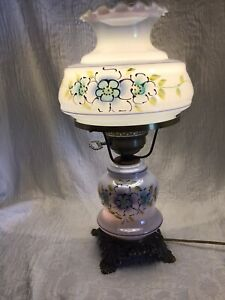 GWTW  BLUE FLOWERED IRIDESCENT GLASS VINTAGE TABLE LAMP