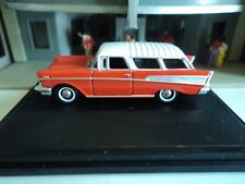 Oxford  1957  CHEVROLET  NOMAD   Red and White  1/87   HO  diecast car GM