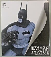 Batman Black & White By Tim Sale Second Edition Porcelain Statue DC Collectibles