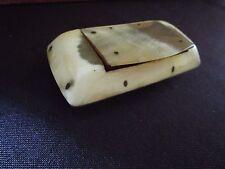 ancienne tabatière-boite à priser- en corne de bovin-fin XIXeme
