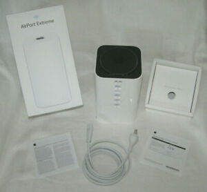 APPLE AIRPORT EXTREME 6th GENERATION A1521 ME918LL/A WIRELESSS AC ROUTER BASE ST