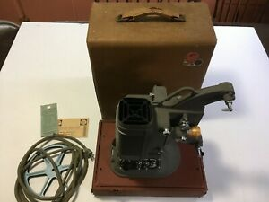 DeJur Model 750 Movie Projector With Case Tested Motor and Lamp Work