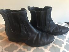 SIZE 7 BLACK LEATHER COUNTRY ROAD CHELSEA STYLE BOOTS