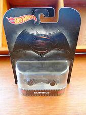 Hot Wheels 2016 Retro Case A Batman v Superman - Batmobile (A+/A+)