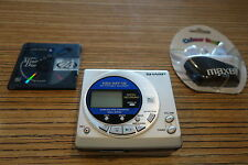 Sharp MD MT 15    MD Minidisc Recorder  . + Maxell Ohrh. + MD (506)