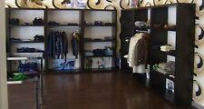arredamento per negozio in legno e alluminio + 1 bancone  come foto