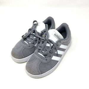 Adidas Boys 12 Gazelle Suede Lace Up Sneakers Grey & White