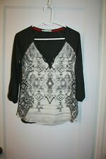 ~~~~~~MAURICES~~~~~~WOMENS CUTE GRAY TOP     SIZE S