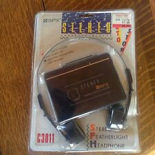 NEW Vintage GPX C3011 Cassette personal stereo  w/ headphones
