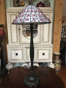 """Quoizel Tiffany Table Lamp 29"""" Bronze Finish Butterfly Shade Excellent"""
