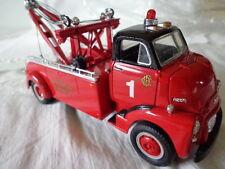 1st GEAR 1952 GMC HEAVY DUTY WRECKER 1/34 SCALE CHICAGO FIRE DEPARTMENT TOWTRUCK