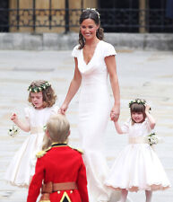 Pippa Middleton UNSIGNED photo - D1796 - Royal bridesmaid