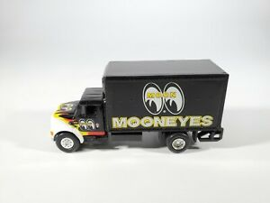 Johnny Lightning MOONEYES DELIVERY BOX TRUCK International 4400 HO Scale No Box