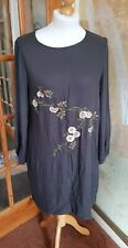 Size 18 M&S Per Una Grey Floral Embroidered Knee Length Dress (A)