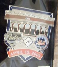 2009 CitiField 1st San Diego Padres v NY New York Mets lapel pin Opening Day