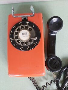 1979 Western Electric Bell System 554 Rotary Wall Phone Orange/Black