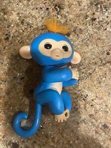 WowWee Fingerlings Baby Monkey LIV Blue
