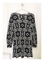 Women's Designer Nieves Lavi New York Long Sleeve Silk Pattern Dress Size 8