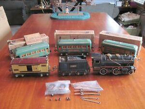 Vintage Lionel Pre-War 258, 655, 2-607 & 608 Pass. Car Set to Collect or Restore
