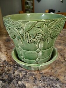 Rare 1950s Quilted Rose & Leaf Pattern McCoy Planter/Flower Pot  Attached Saucer