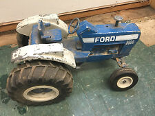 BS2 VERY used Ertl 8600 Ford Tractor Die-cast 1:16 Scale heavy cast metal USA