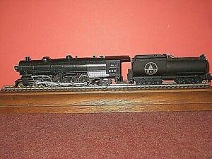 HO Bowser 4-8-2 Steam engine. Runs well. w/ Vanderbilt oil Tender by Bachmann sc